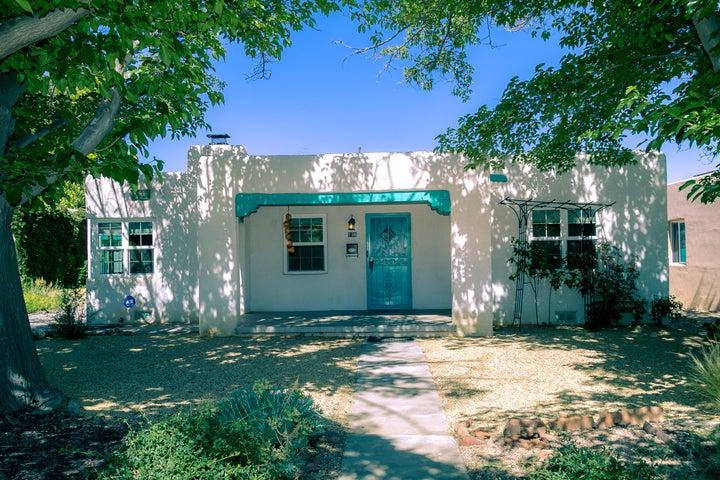 725 Lafayette Drive NE, Albuquerque, NM 87106