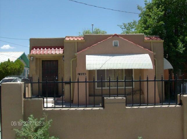 1208 12th Street NW, Albuquerque, NM 87104