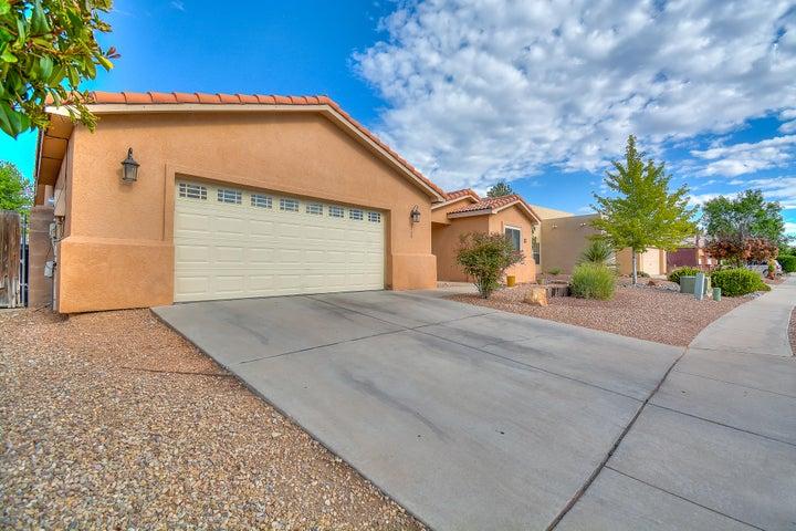 8705 Tia Christina Drive NW, Albuquerque, NM 87114