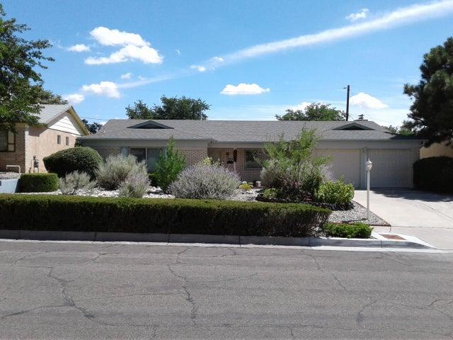 11504 Versailles Avenue NE, Albuquerque, NM 87111