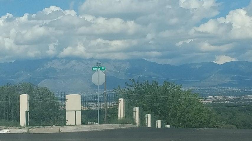240 NW 55th Street NW, Albuquerque, NM 87105
