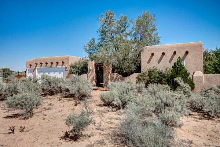 148 Camino Rayo Del Sol, Corrales, NM 87048