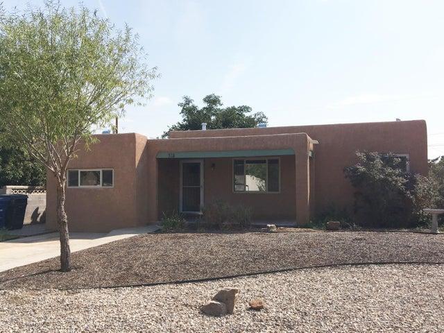 318 Quincy Street NE, Albuquerque, NM 87108
