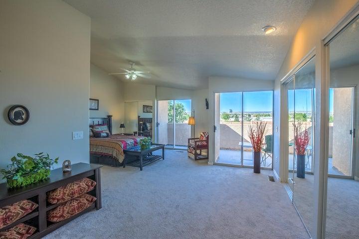 1737 Del Cielo Drive NW, Albuquerque, NM 87105