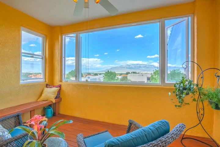 4108 New Vistas Court NW, Albuquerque, NM 87114