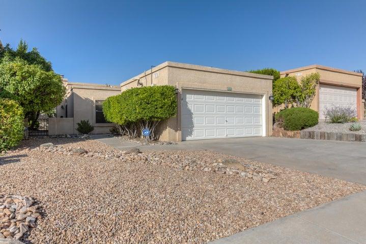 4933 Edwards Drive NE, Albuquerque, NM 87111