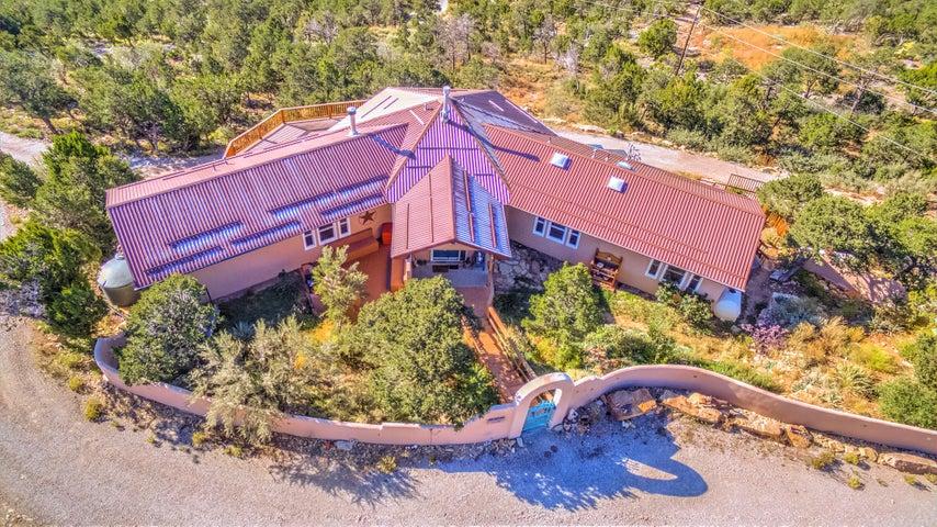 38 Calyx Lane, Cedar Crest, NM 87008