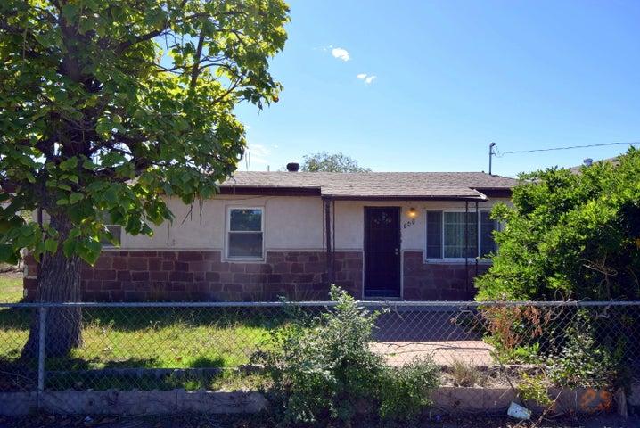 148 Ranchitos Road NW, Albuquerque, NM 87107