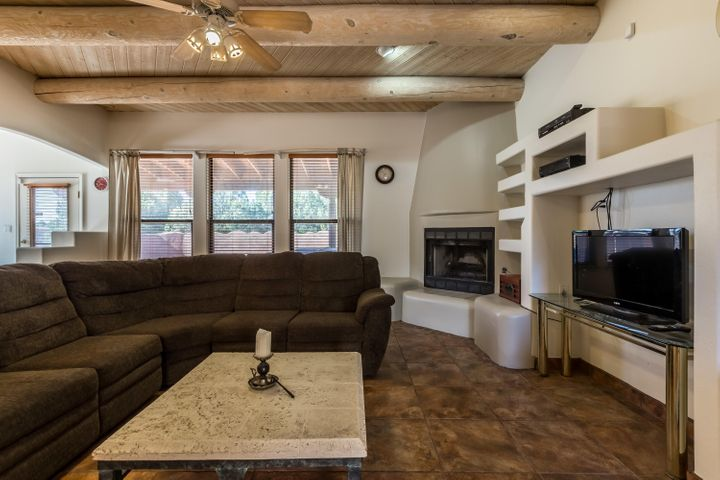 7 Salida Del Sol, Cedar Crest, NM 87008