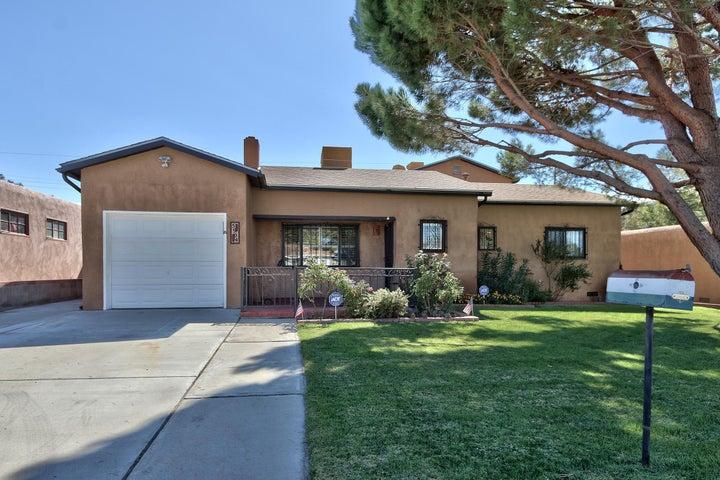 5904 Arvilla Avenue NE, Albuquerque, NM 87110