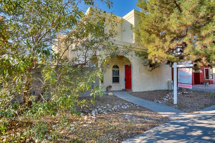 7624 Sandlewood Drive NW, Albuquerque, NM 87120