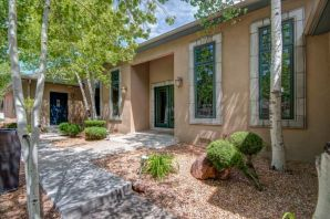 Tremendous quality custom construction, excellent amenities, condition, location & convenience to I-40 & ABQ in this outstanding East Mtn Estate. Owner/ Builder's full attention to detail in his own personal residence w/incomparable finishes & fixtures. An entertainer's delight boasting true chef's kitchen w/ss Viking aplncs, gorgeous cstm maple cabinetry, Travertine thruout, granite & 12' ceilings. A versatile/ flexible flrpln- room for everyone! The impressive master ste w/more gorgeous cabinetry & spa-like bath. Open, brilliant natural light & rich mtn vistas in all directions. Now go outside & be amazed w/professional landscaping at its highest level & several outdoor living areas- a genuine retreat/ compound like no other that offers the best of mtn living. See this work of art now!