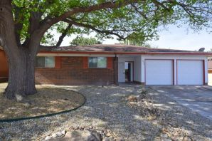 Adorable home in picturesque, convenient NE heights location.  Easy access to main roadways, shopping, schools, parks.  Pristine condition, with recent updates throughout. Stainless steel appliances convey.  Must see to appreciate!!!Owner is licensed NM Real Estate Broker.