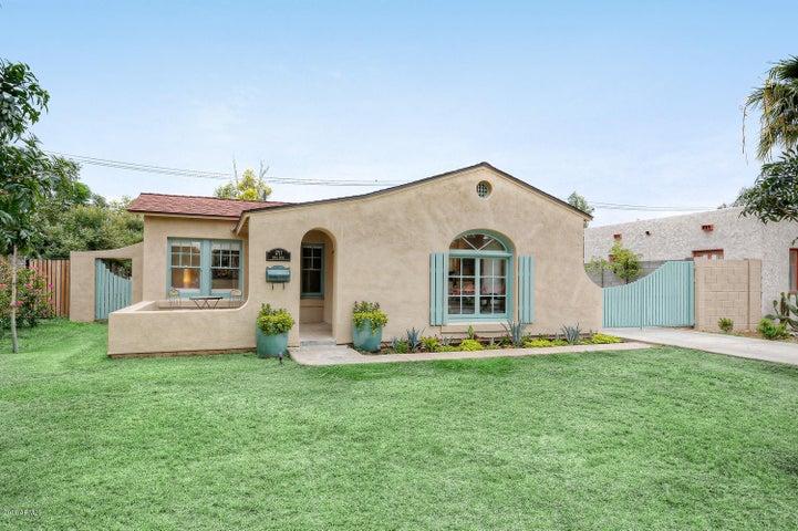 1717 E EARLL Drive, Phoenix, AZ 85016