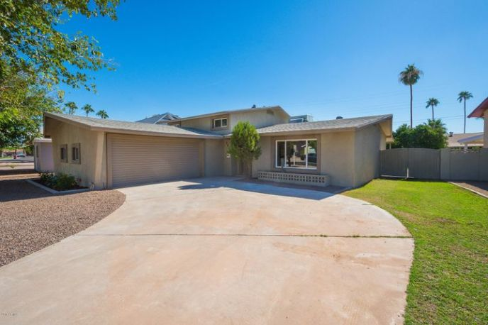 8437 E Bonnie Rose Avenue, Scottsdale, AZ 85250