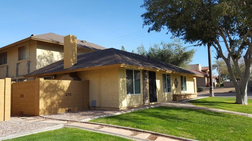 8552 E Belleview Street, Scottsdale, AZ 85257