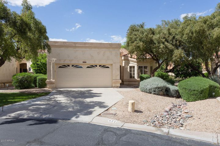 Westbrook Village, Enclave, Adult Community, Patio Home, Lock and Leave, Golf Course Community, Lake, Trees, Private, End Unit, Garage, Easy, Gated Community, Pool, Tennis Courts, Driving Range, Rec Center, Single Level, No steps, private patio, low maintenance, Peoria