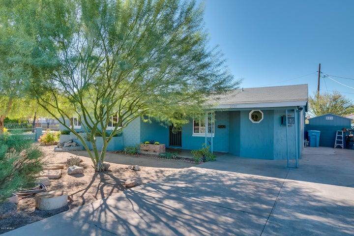 2335 W CAMPUS Drive, Phoenix, AZ 85015