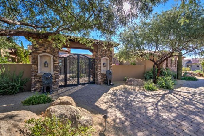 8669 E OVERLOOK Drive, Scottsdale, AZ 85255