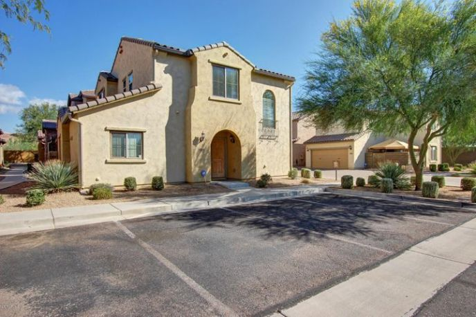Fantastic, upgraded home. Special features include water softener, RO, security system and ceiling fans throughout
