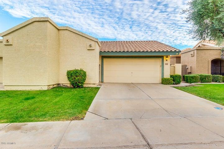2328 W COMSTOCK Drive, Chandler, AZ 85224