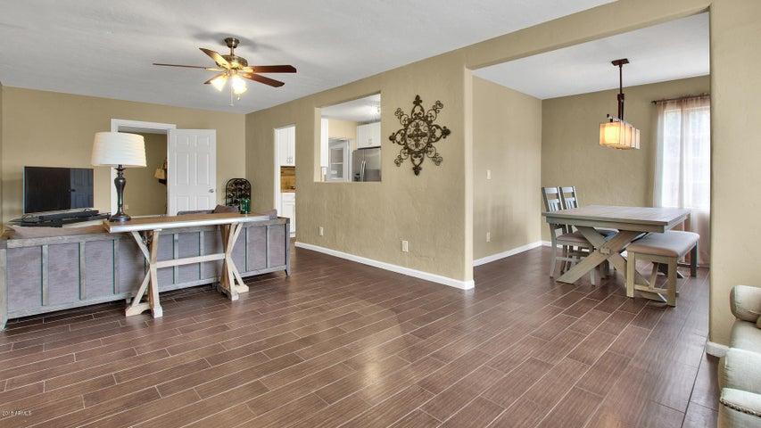 2226 E VIRGINIA Avenue, Phoenix, AZ 85006