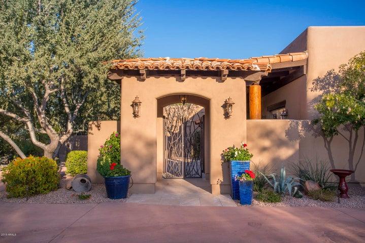 6211 N 51ST Place, Paradise Valley, AZ 85253