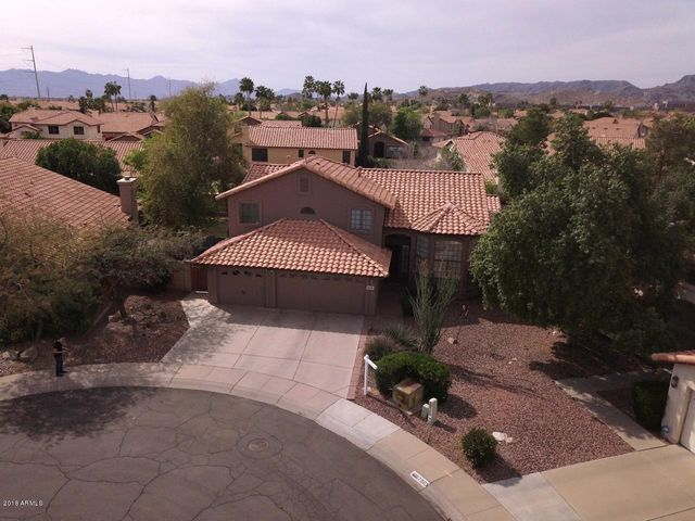 Beautiful home on a quiet Cul-de-sac in Ahwatukee's Lakewood