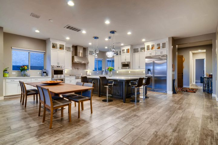 Wow! What a set up. Come check out this kitchen.
