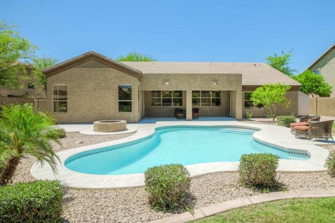 4040 E ADOBE Drive, Phoenix, AZ 85050