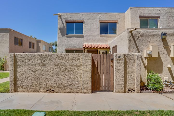 8061 E GLENROSA Avenue, Scottsdale, AZ 85251