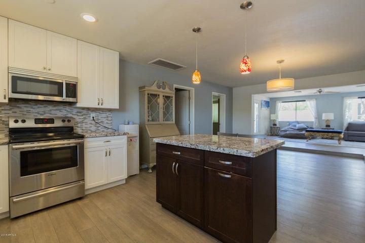 5835 N 16TH Place, Phoenix, AZ 85016