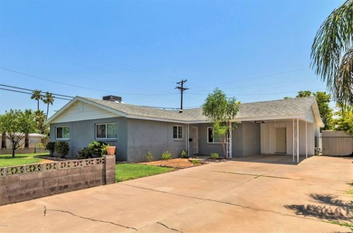 6949 E MORELAND Street, Scottsdale, AZ 85257