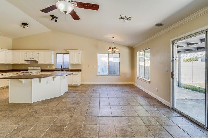 2834 E PONTIAC Drive, Phoenix, AZ 85050
