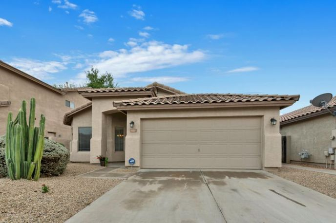 4327 E TETHER Trail, Phoenix, AZ 85050