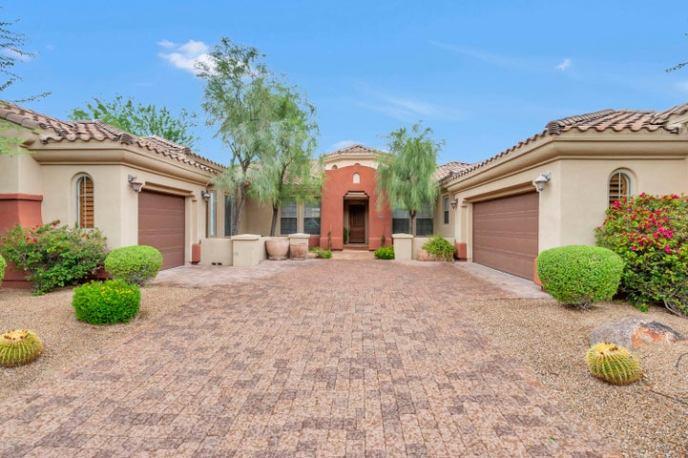 3848 E EXPEDITION Way, Phoenix, AZ 85050