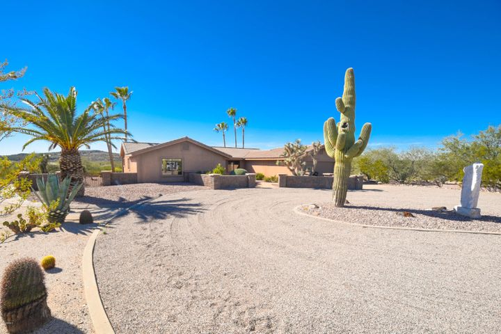 20625 W AIRPARK Drive, Wickenburg, AZ 85390