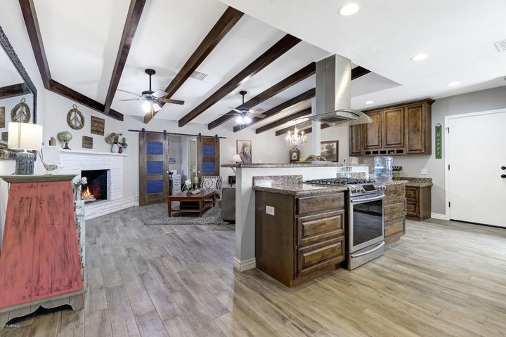 5320 E THOMAS Road, Phoenix, AZ 85018