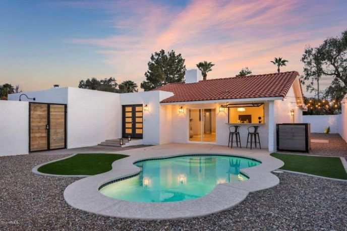 3037 E Clarendon Avenue, Phoenix, AZ 85016