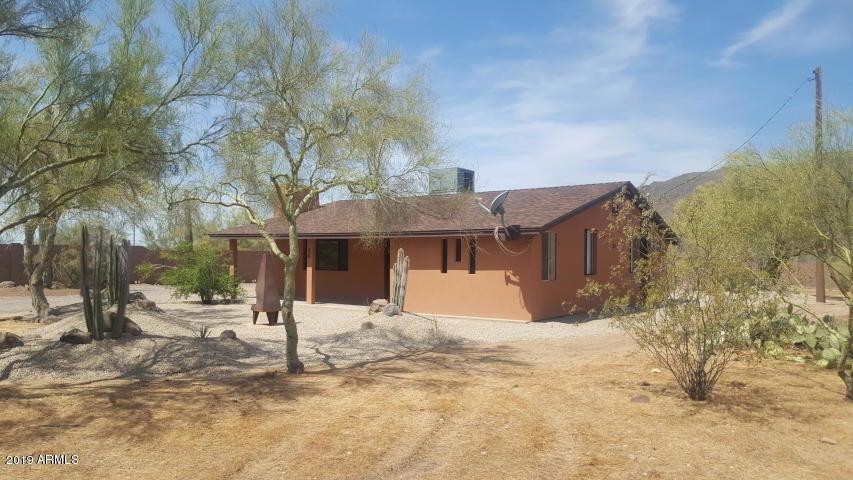26 W CIRCLE MOUNTAIN Road, New River, AZ 85087