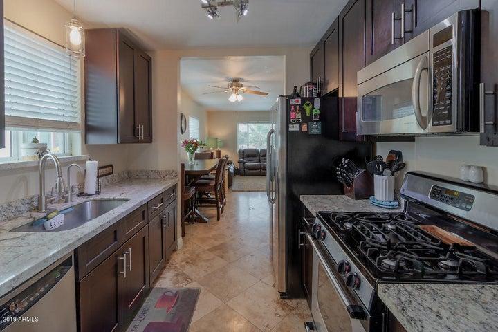 2842 N GREENFIELD Road, Phoenix, AZ 85006