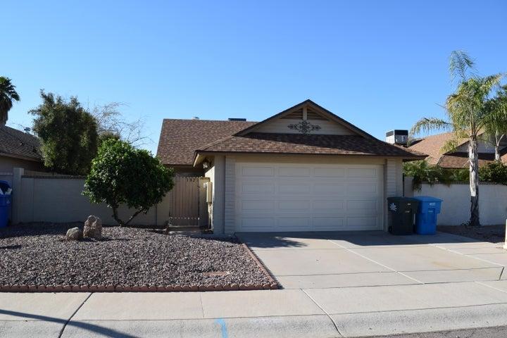 1821 E BLUEFIELD Avenue, Phoenix, AZ 85022