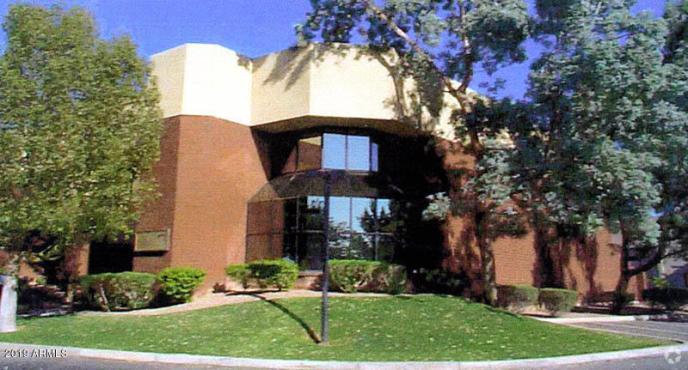 135 E CHILTON Drive, Chandler, AZ 85225