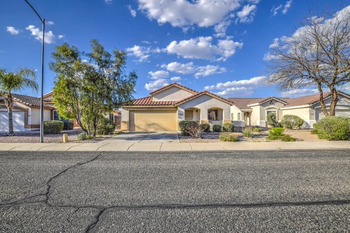 13826 W TARA Lane, Surprise, AZ 85374