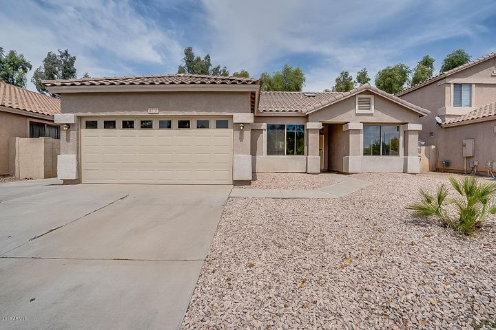 6776 W CITRUS Way, Glendale, AZ 85303