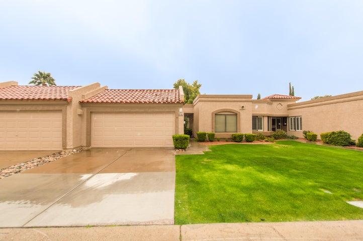 9825 W TARO Lane, Peoria, AZ 85382