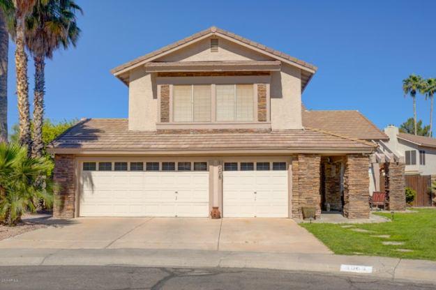 1008 N PLYMOUTH Court, Gilbert, AZ 85234