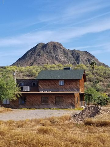 3205 W NEW RIVER Road, New River, AZ 85087