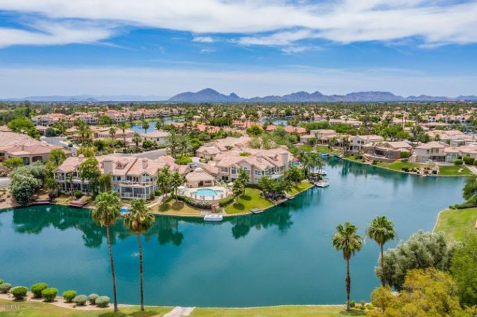 10390 E LAKEVIEW Drive, 203, Scottsdale, AZ 85258
