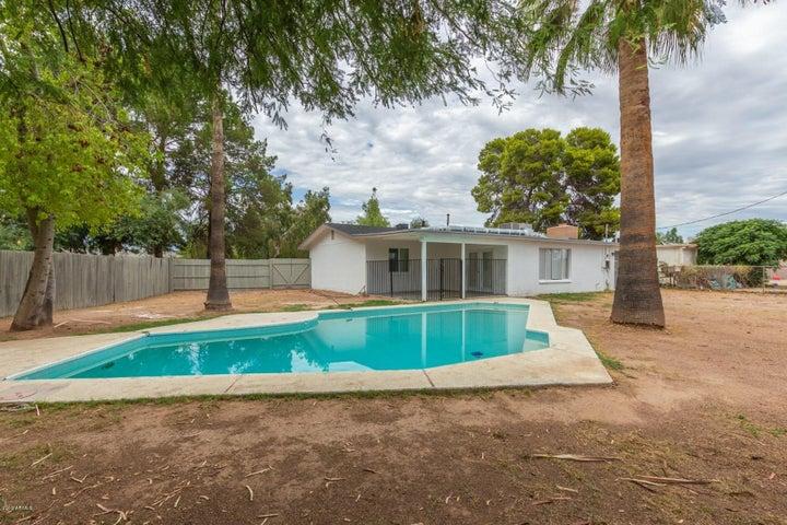 2525 E HARTFORD Avenue, Phoenix, AZ 85032